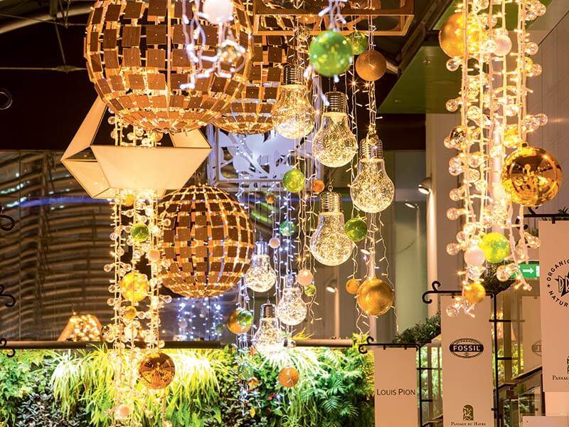 Papiersterne Weihnachtsbeleuchtung.Referenzen Galerie Blachere Illumination